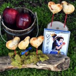 apple pie pops, celebrating Snow White